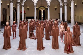 Vanessa Beecroft- VB83