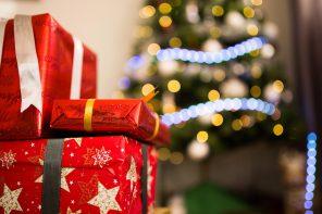 Un libro a Natale: il regalo perfetto da mettere sotto l'albero