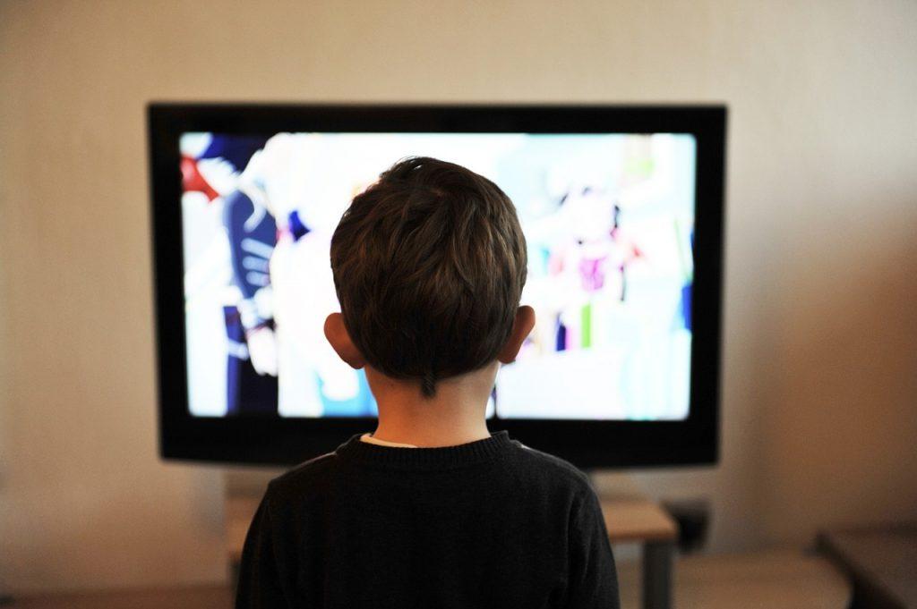 guardare la tv